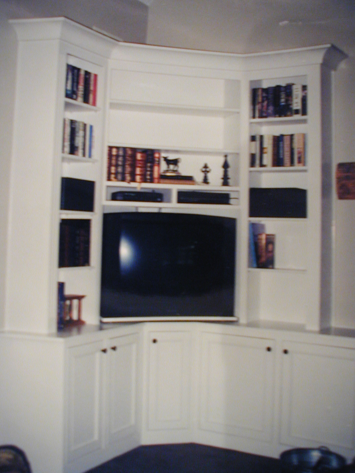 corner built in entertainment center